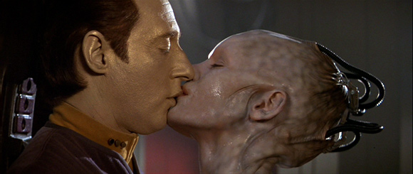 Star Trek Borg Kiss