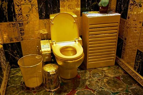 Gold Toilet in Hong Kong