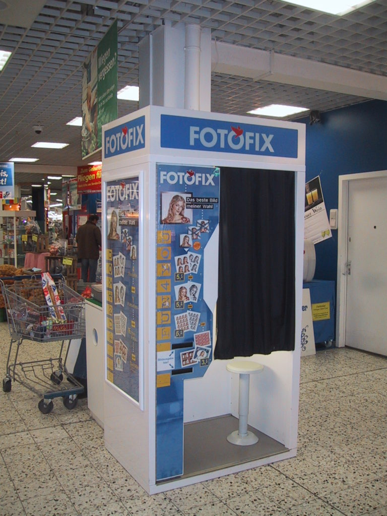 Photo_Me_booth_2005