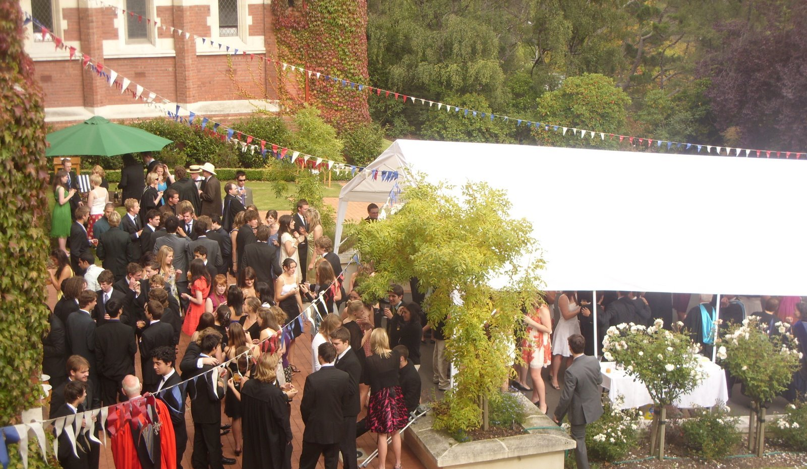 knox_college_garden_party