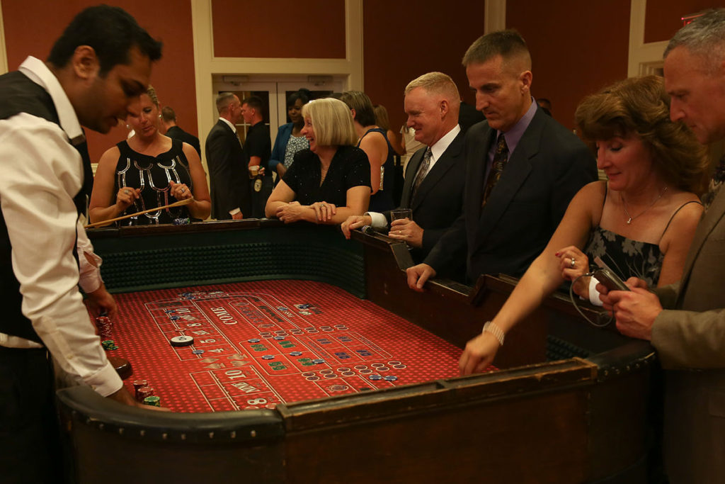 Wondering How to Dress for a Night at the Casino?