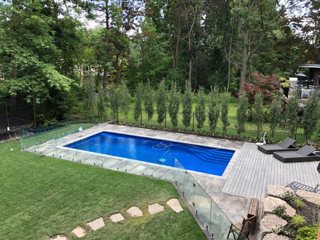 Top Reasons to Fence Your Pool with a Glass Wall Fence - Odd ...