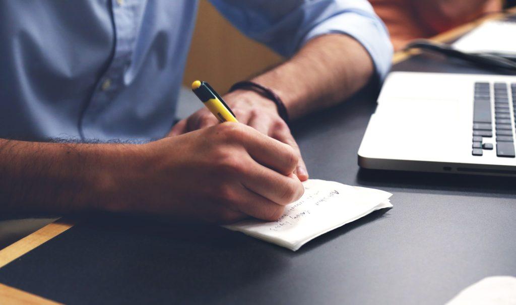 earn money write essays
